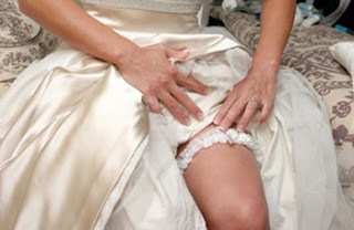 Selecting the perfect garter for your wedding day for Garter under wedding dress