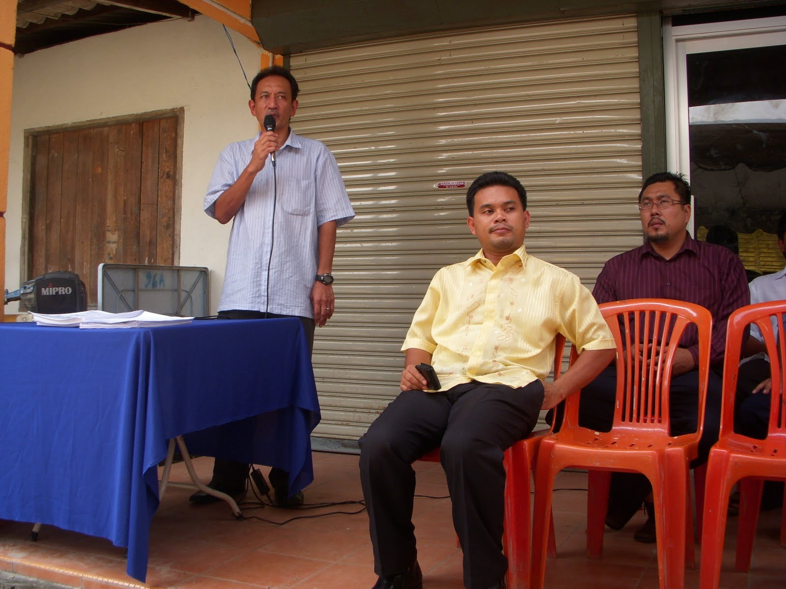 Sdr Nasar Ketua PKR Cabang Hulu Selangor memberikan pandangan beliau