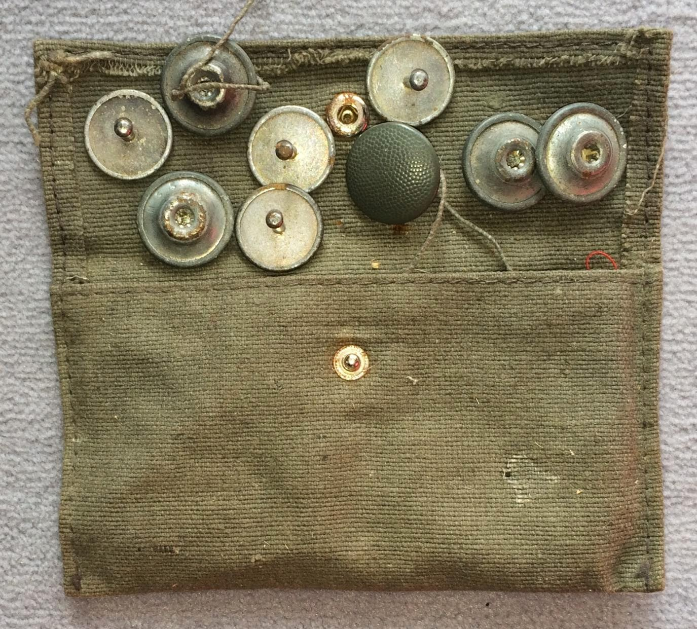 Trousse couture wh alpes militaria for Trousse couture