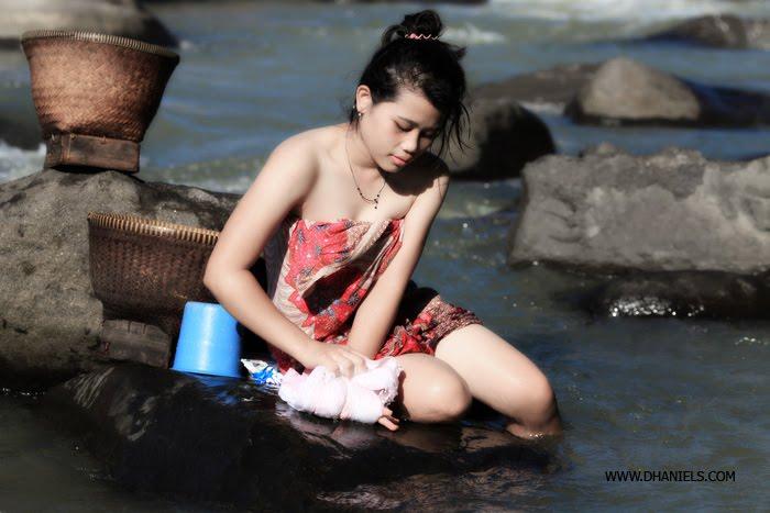Toket gadis Desa Telanjang Di Depan Cam