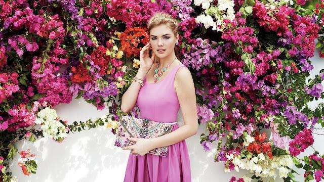 Kate Upton vestido rosado