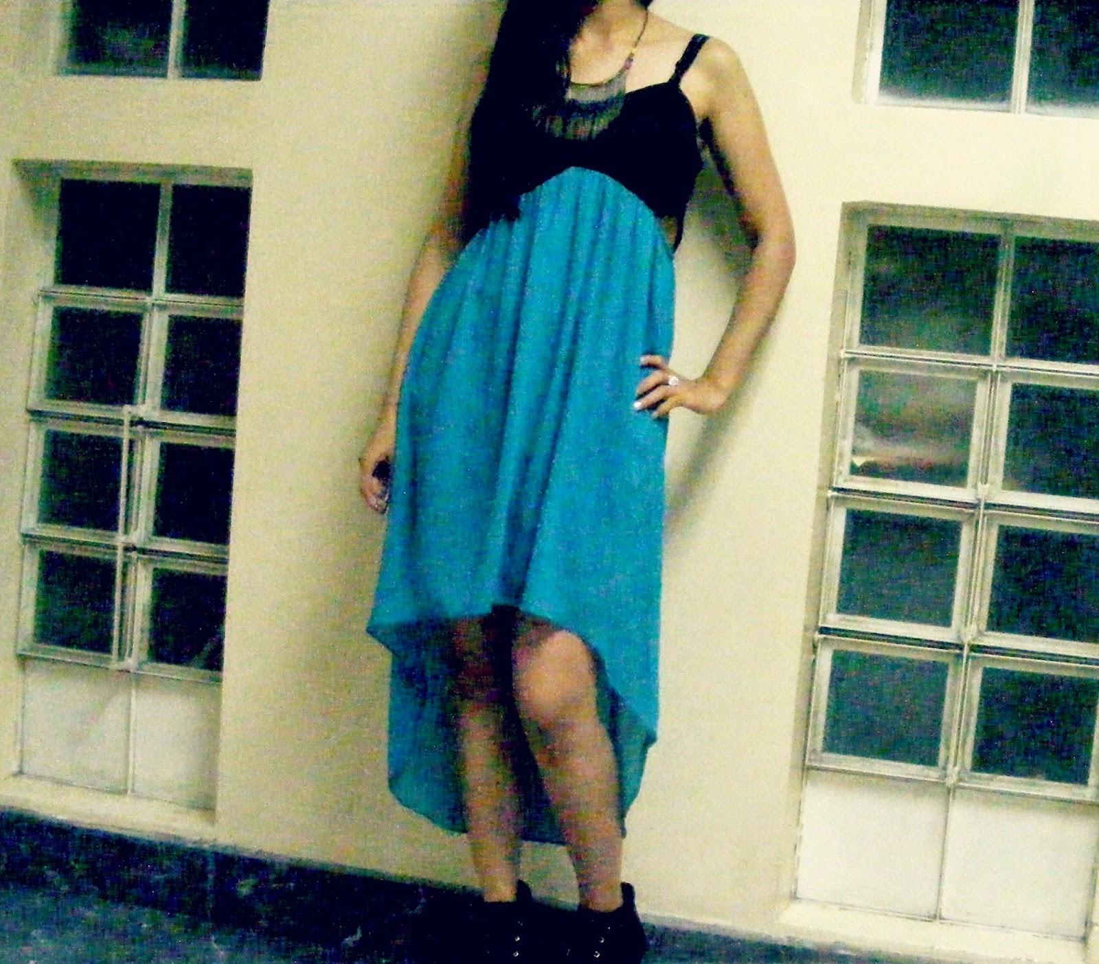http://outfitdeldia.blogspot.com/2014/11/vestido-asimetrico-corto-y-largo.html