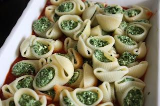 http://lizasmatverden.blogspot.no/2012/04/pasta-lumaconi-med-spinat-og-cottage.html