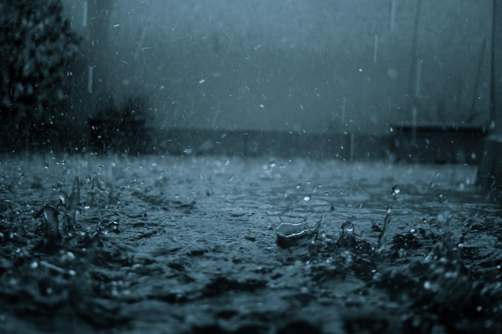 http://3.bp.blogspot.com/-iMKObwjU2UI/TcvOhxMV6zI/AAAAAAAAAZ0/z6-M3u_o0e4/s1600/rain-wallpaper.jpg