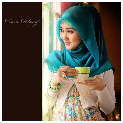 Fazz Sisters Collections: Square Hijab Inspired by Dian Pelangi