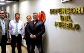 DIRECTORA LICEO DESACATA ORDEN DE LA DEFENSORIA DEL PUEBLO DE REGRESAR DINERO