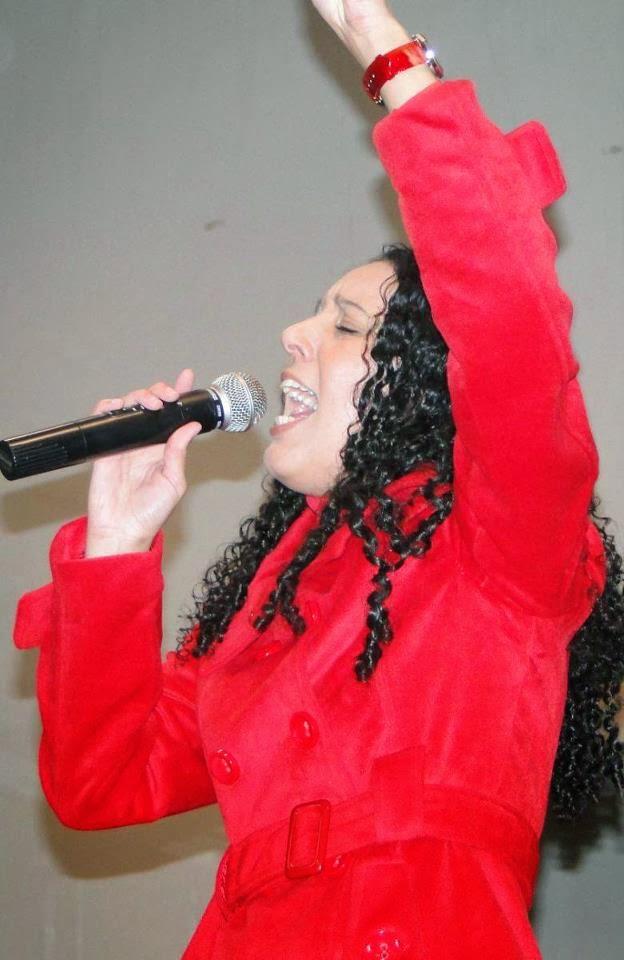 Cantora Jéssyka Oliveira
