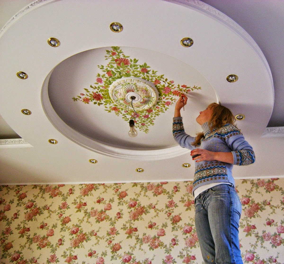 How to decorate the ceiling with own hands, decorative painted ceiling