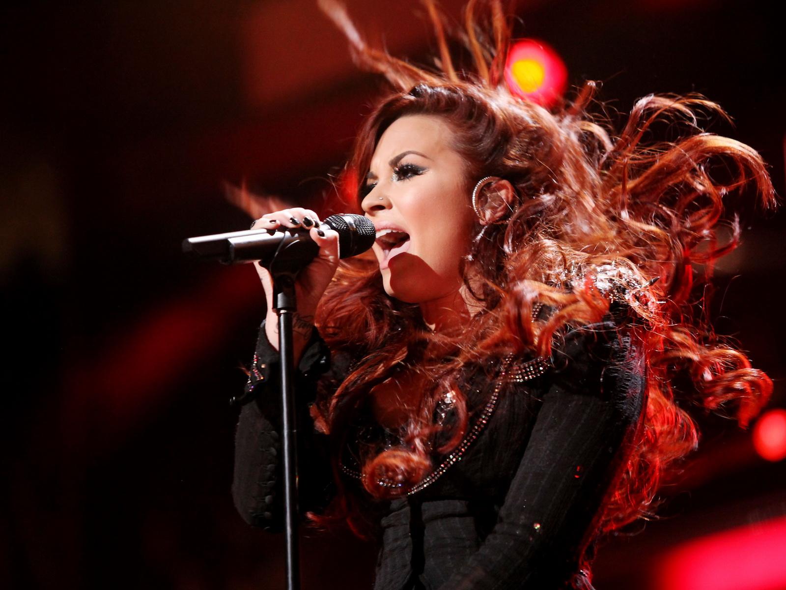 http://3.bp.blogspot.com/-iMz_bVIXGgk/UAC0CLUo0vI/AAAAAAAAH3Q/QFb9QVGqTnA/s1600/Demi-Lovato18.jpg