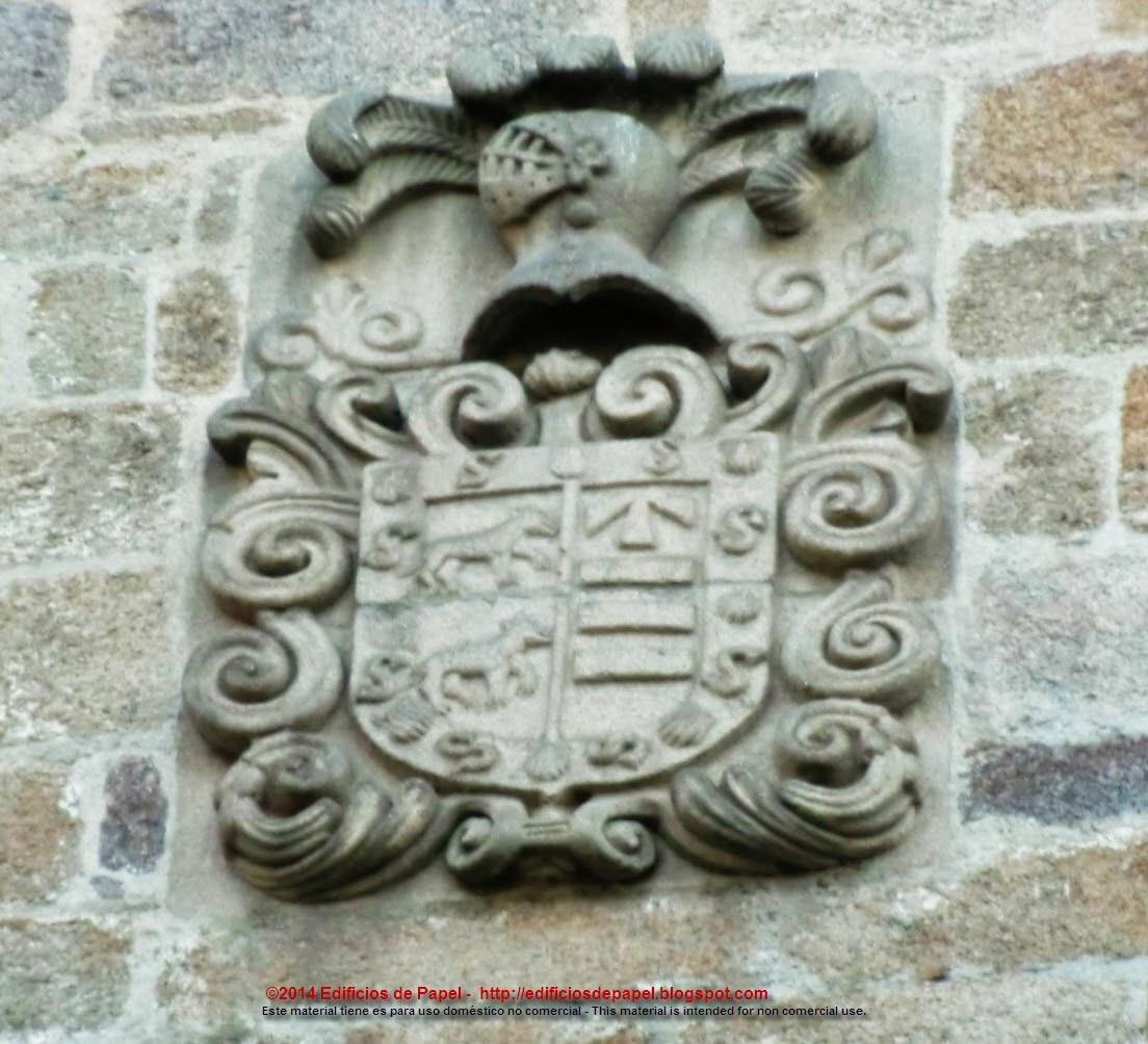 Escudo en el anexo al Palacio Episcopal