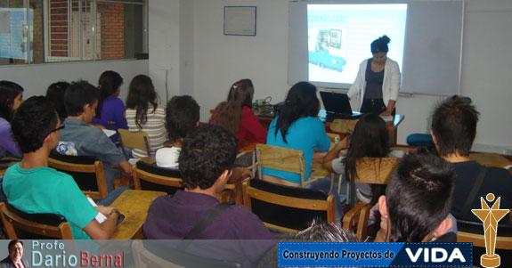 Estudiantes de Producción Industrial II semestre 2012 realizan exposición sobre Torno