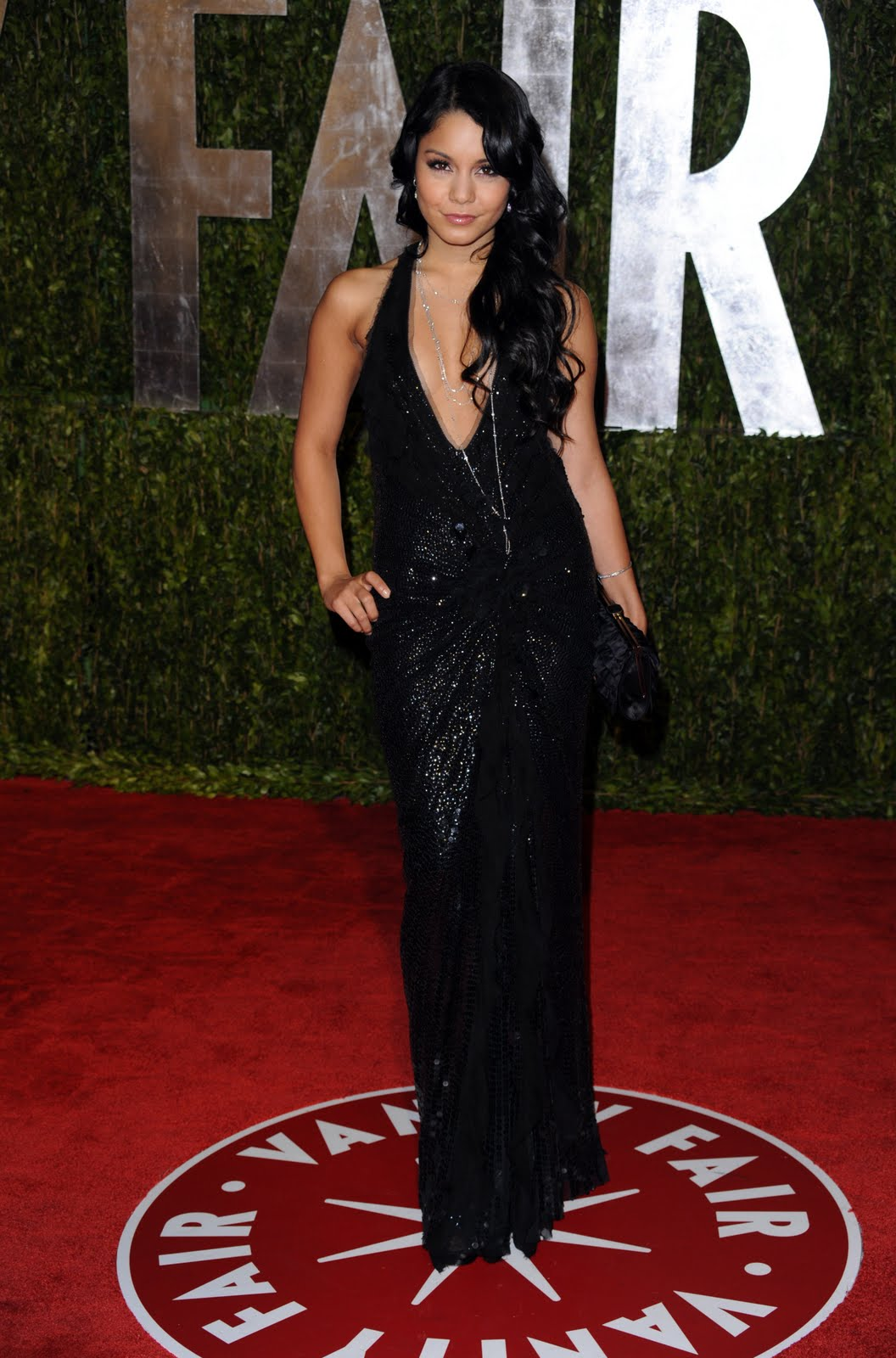 7 days ago· The AMAs red carpet is in full swing, and while there have been so many incredible looks for the event, Vanessa Hudgens has been a true standout with her outfit. Wearing a .