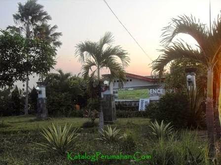 Taman Depan Perumahan Bunga Residence