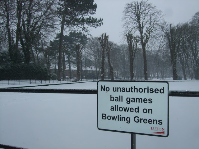 Bowling Green at Wardown Park Luton in the snow