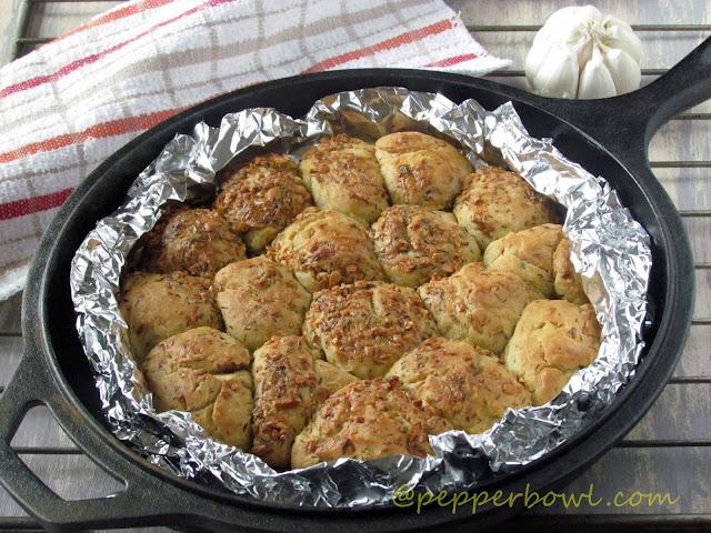 garlic-thyme-bread