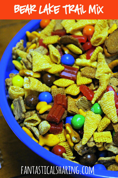 Bear Lake Trail Mix | The perfect snack for when you can't decide what to pick! | www.fantasticalsharing.com