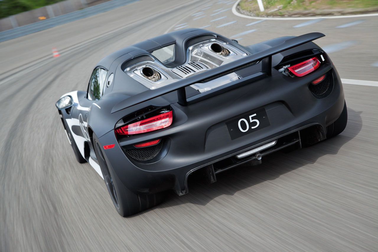 A So Why Do The Exhaust Pipes Exit Through Top Of Car Instead Under Porsche 918 Spyder Engine Diagram E Reveal Hybrid Production Prototype Electric Vehicle News