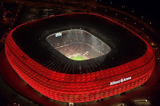 stadion-termegah-allianz-arena-2