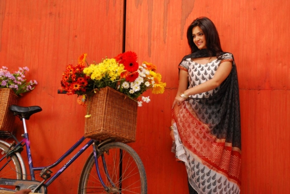 krithi Karbanda latest Stills
