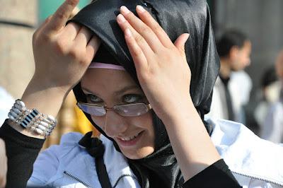 Cuci inner hijab dan hijab setiap kali selesai digunakan untuk menghindari kotoran dan kuman