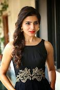 Samantha glam pics in black-thumbnail-8