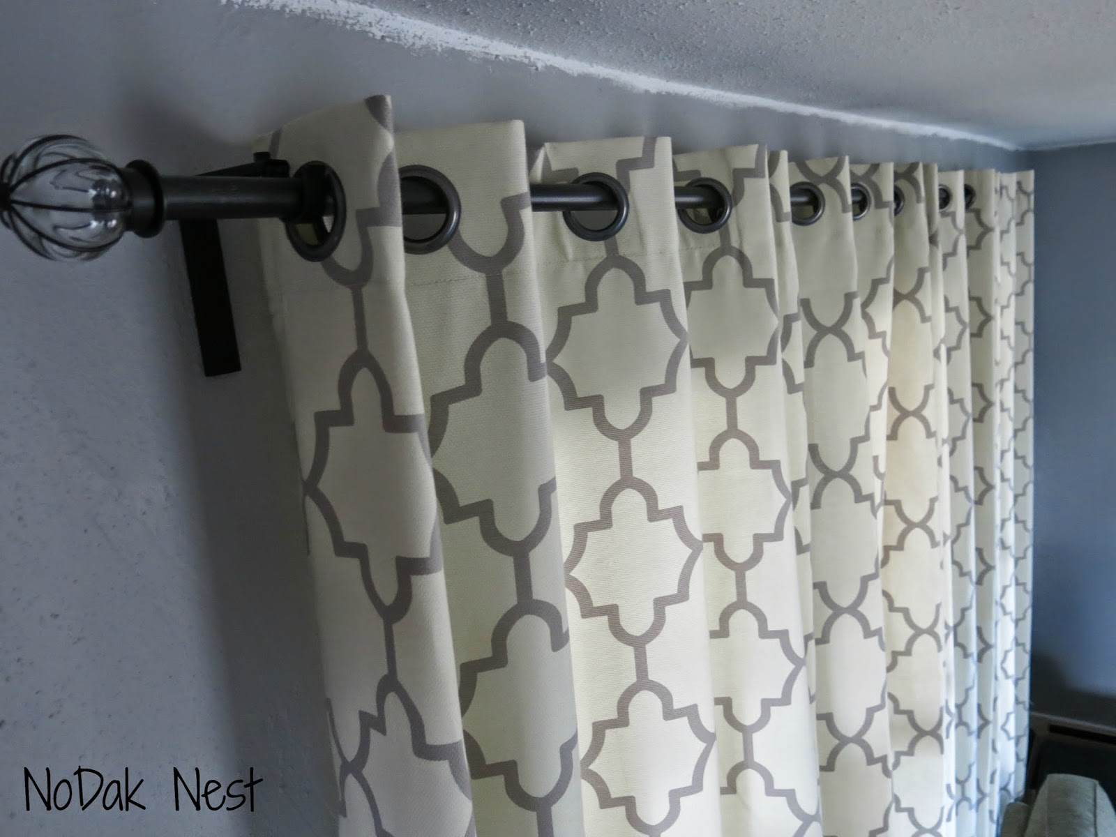 nodak nest how to make cheap and pretty curtain rods. Black Bedroom Furniture Sets. Home Design Ideas
