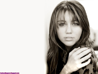 Miley Cyrus beautiful smile Montana Wallpaper