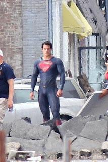 Superman Tidak Memakai Celana Dalam