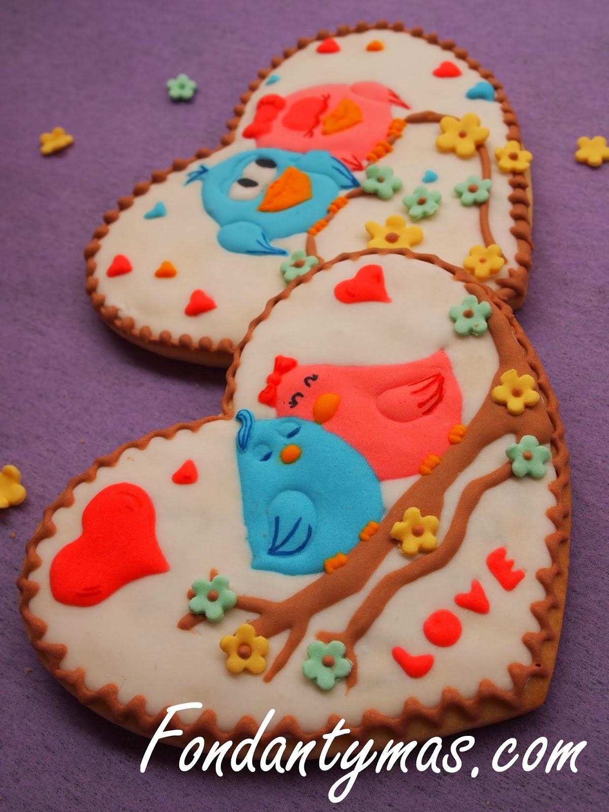 http://www.fondantymas.com/2014/02/galletas-de-san-valentn-dia-de-los.html