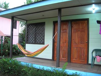 Habitación Cabinas Tortuguero, Tortuguero,Costa Rica, vuelta al mundo, round the world, La vuelta al mundo de Asun y Ricardo, mundoporlibre.com