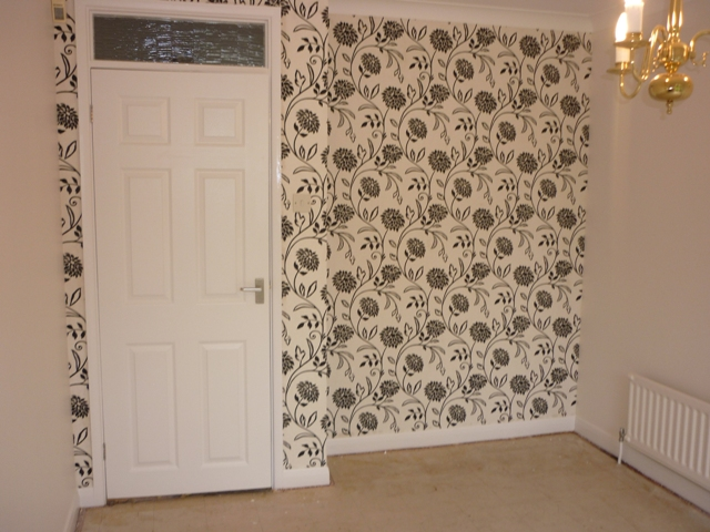 Dining room feature wall wall 2 wall bristol for Wallpaper for dining room feature wall