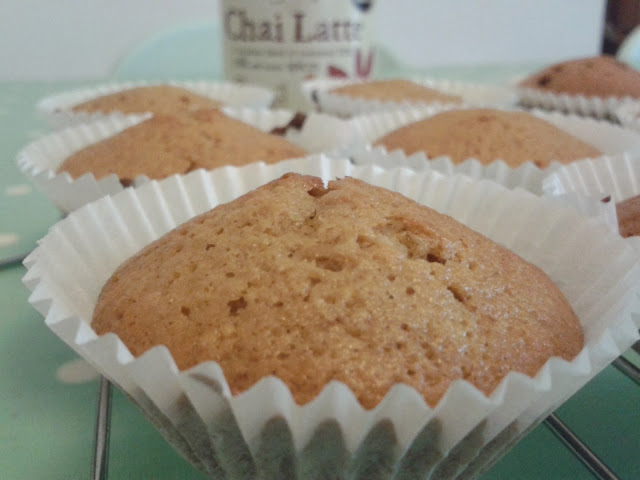 Chai Latte 'Drink me Chai' Cupcakes // 76sunflowers