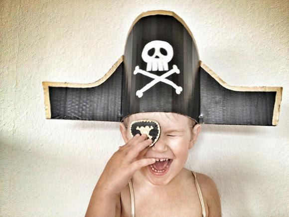 Tutorial Cappello da Pirata: Riciclo Creativo per Carnevale