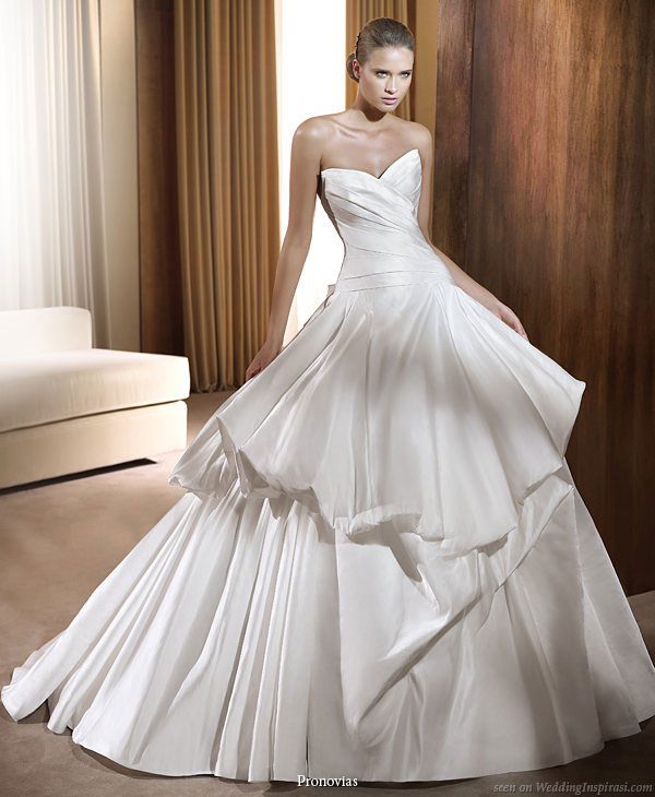 beautiful wedding dresses 2011