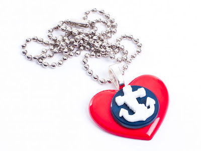 Heart & Anchor Necklace from www.tizzalicious.com