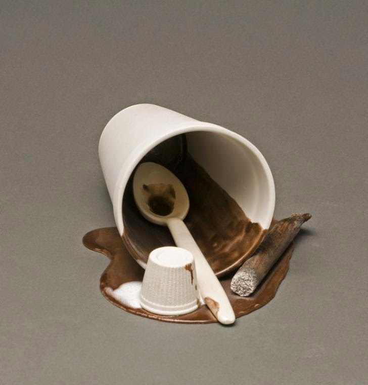 03-Spilled Cup-Victor-Spinski-Clay-Sculptures-replicating-objects-from-Daily-Life-www-designstack-corom-Daily-Life-www-designstack-co