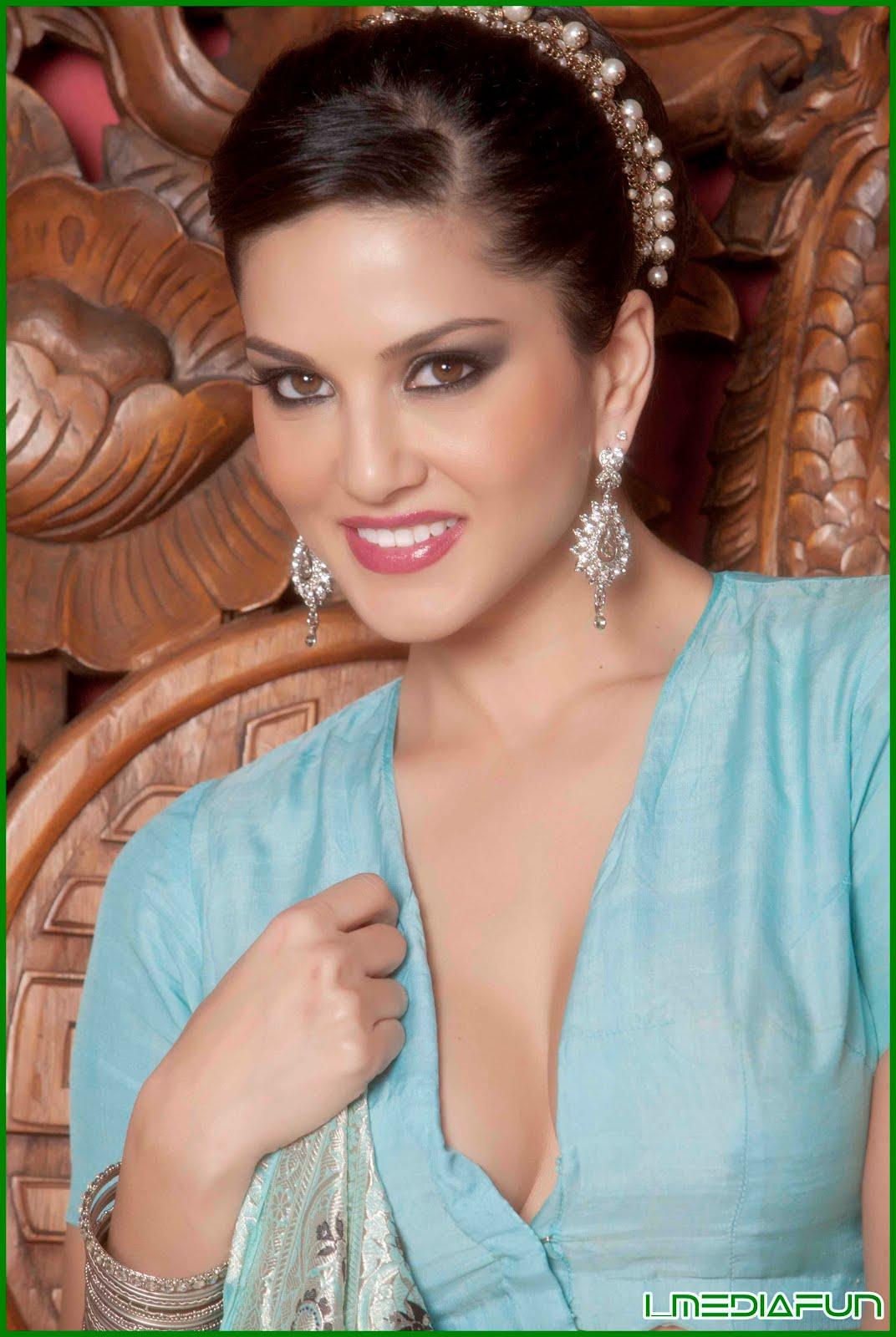Sunny Leone's Bollywood photoshoot in Blue Saree - Actress