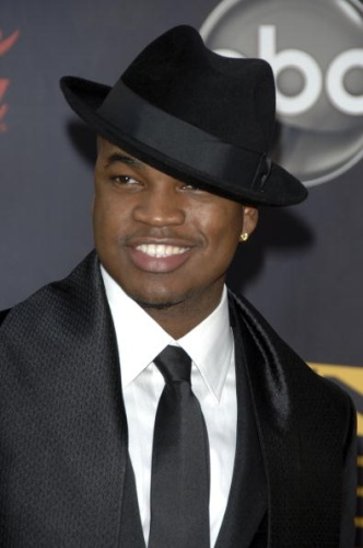 Ne-Yo - Just Cant Help Myself [www.djwara.Blogspot.com]
