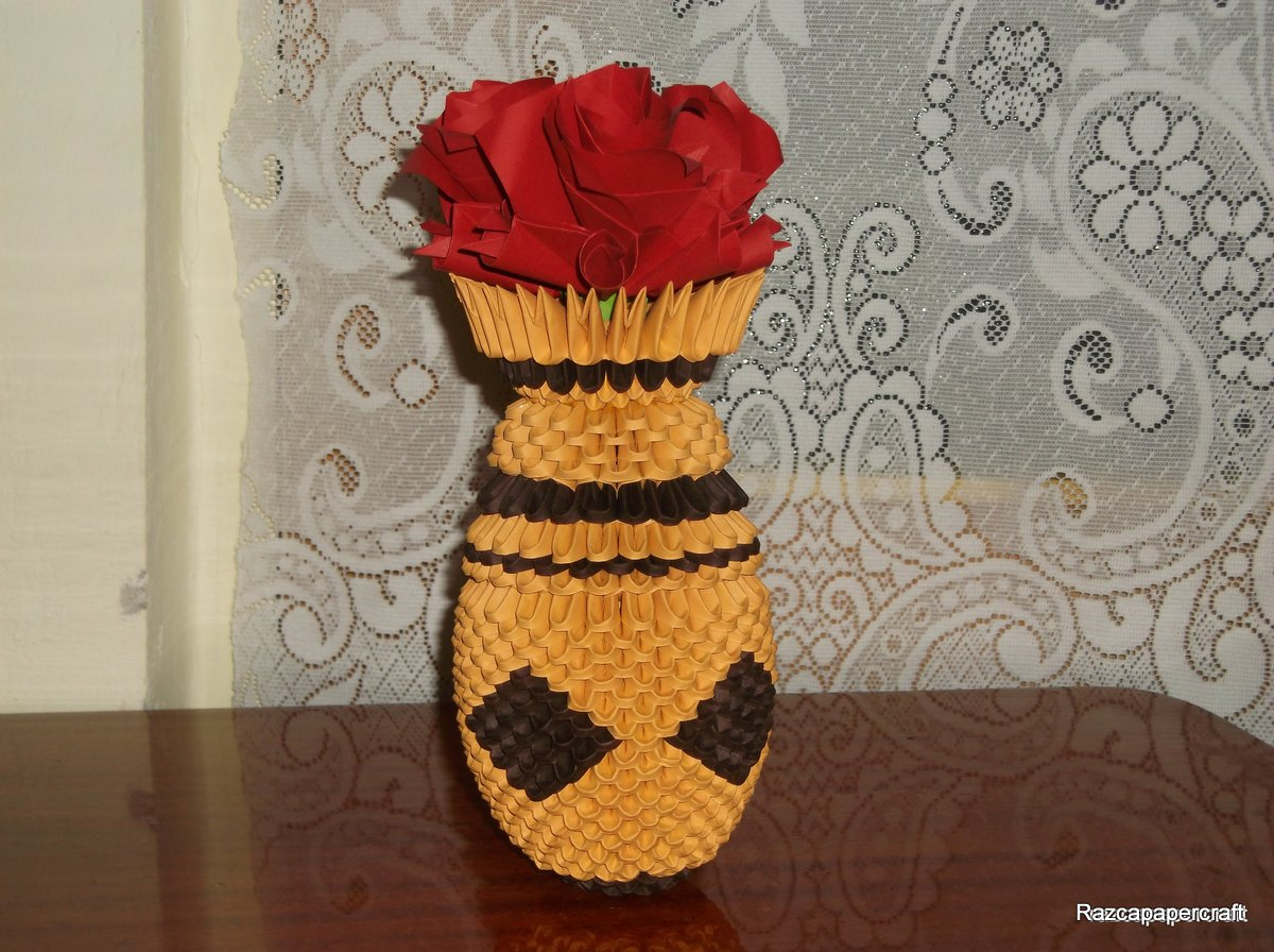 Razcapapercraft origami 3d vase with flowers the tutorial of this origami 3d vase with flower how to make 3d origami vase with flower if you are a beginner here you have the links to how to make mightylinksfo