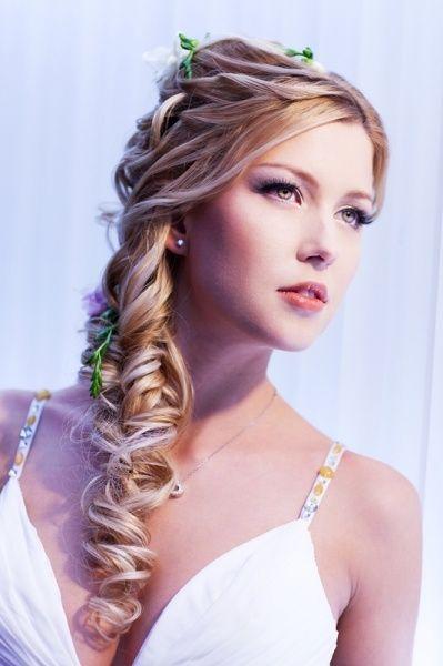Peinados para novia según el tipo de vestido Presume de Boda
