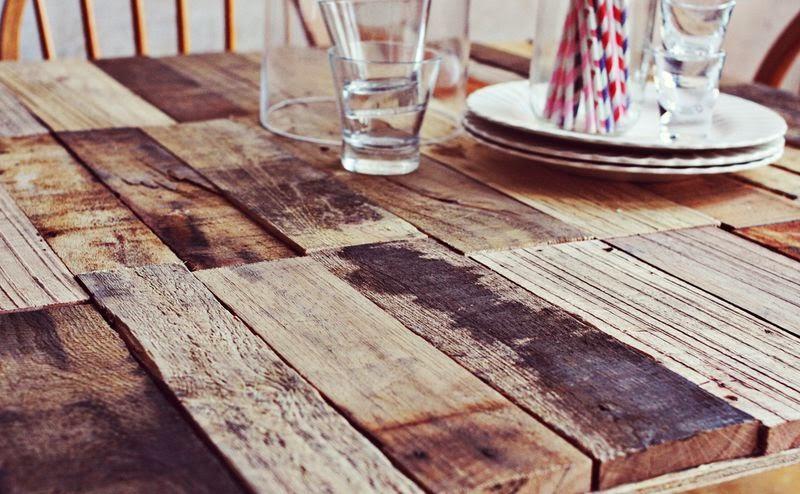 Como hacer una mesa r stica con - Tablas para hacer palets ...