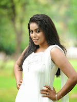 Poorna latest Glam Pics from Nuvvala Nenila Movie-cover-photo