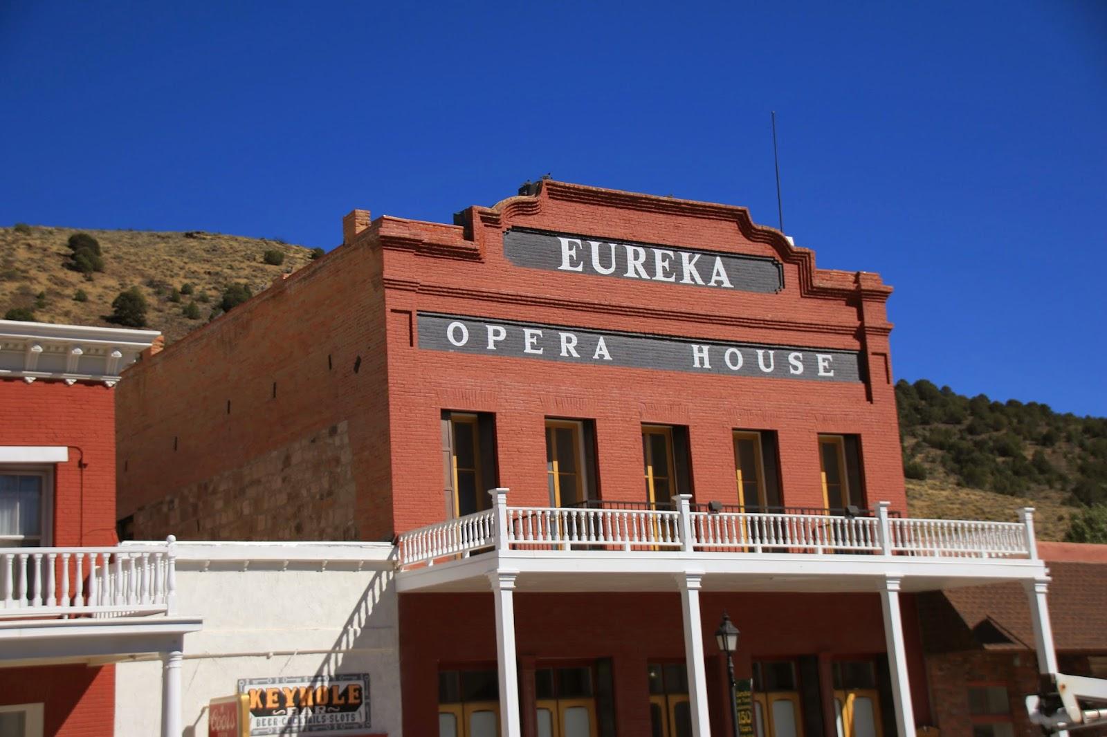 Travels with twinkles eureka nevada for Eureka house