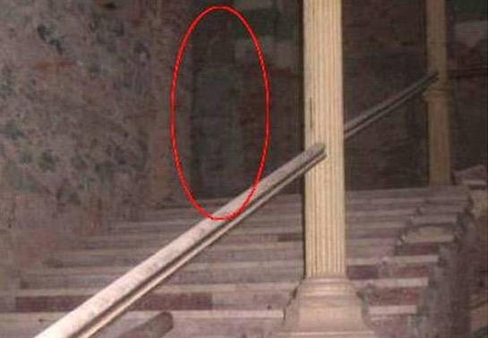 Saksikan Penampakan Hantu yang Terakam Secara Tidak Sengaja
