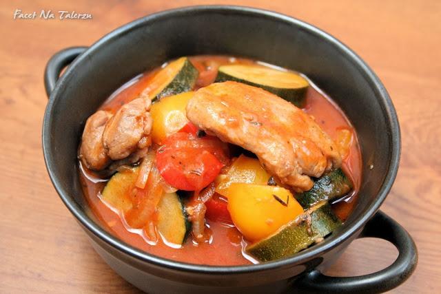 Kurczak prowansalski, udka z warzywami