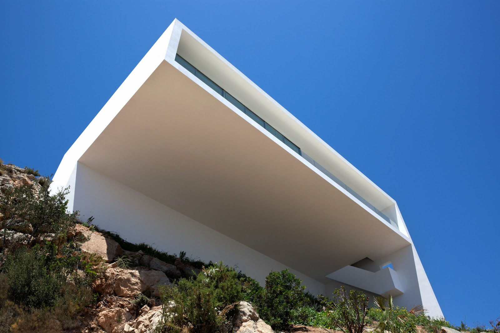 Void matters projects wanted house on the cliff by - Fran silvestre arquitectos ...