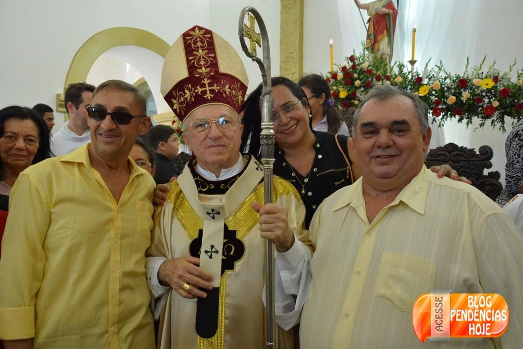 Missa Solene e procissão encerram os festejos de São João Batista 2015.