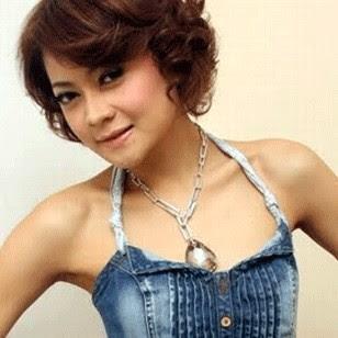 Indah Dewi Pertiwi hot picture Hipnotis