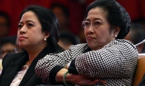 """Guru Besar UI : """"Cuma Titipan Mega, Puan Maharani Itu Menteri Sekelas PRT"""""""