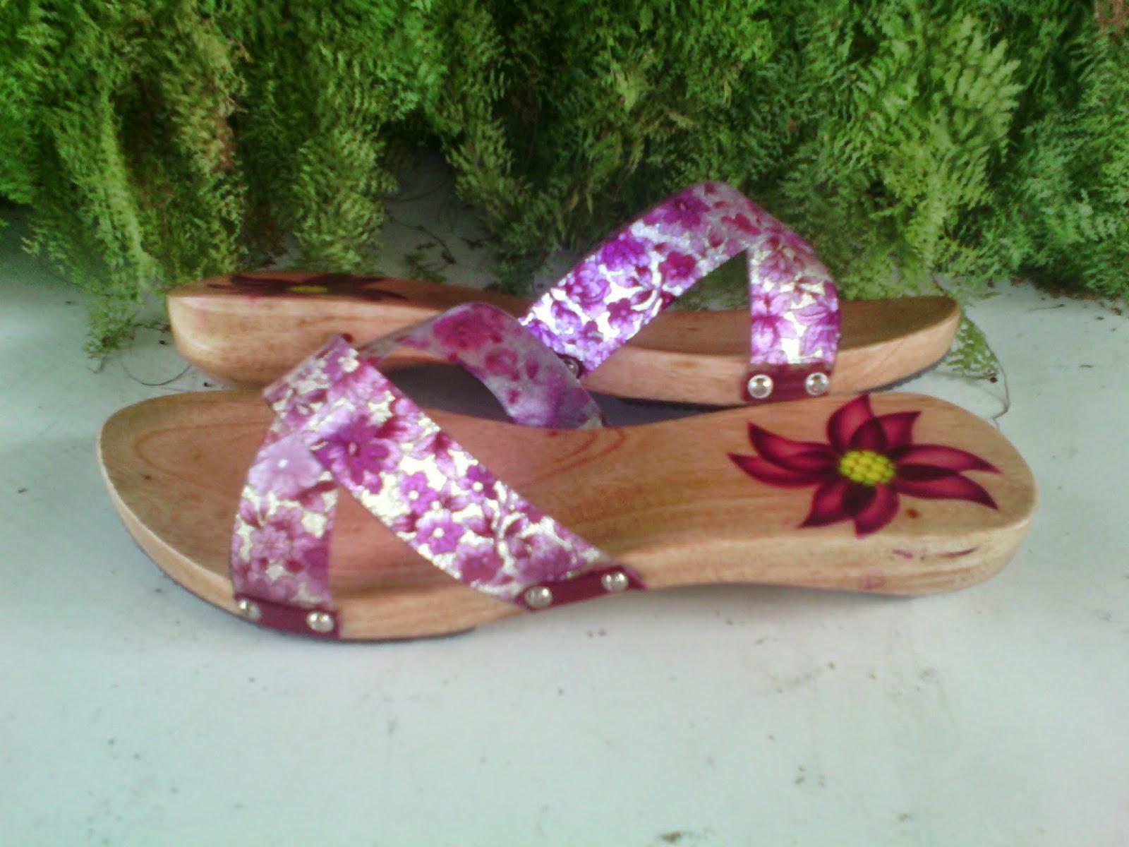 Harga Sepatu Wanita Kelom Geulis Tasikmalaya